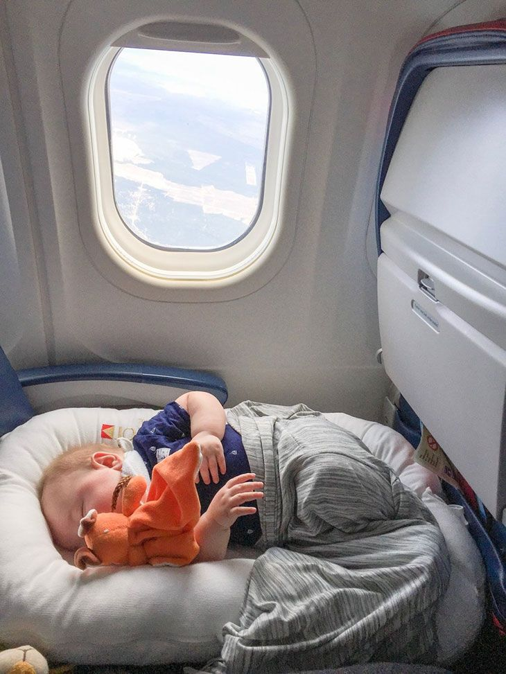 flying with infant on lap united