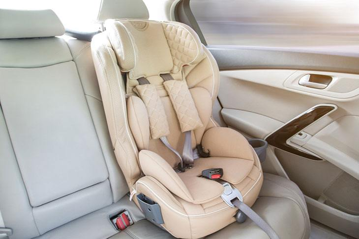 A Helpful Guide of the Best Infant Car Seat for Small Cars